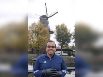 Mohd Rafiq menafikan bercuti ke Eropah ketika PRK Tanjung Piai, sebaliknya beliau terlibat dengan lawatan kerja. Foto: FB Mohd Rafiq