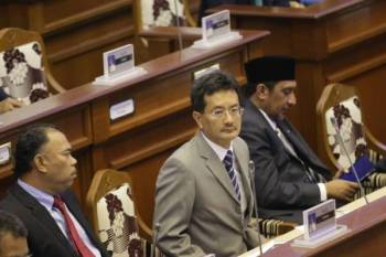 Norol Azali menjawab pernyataan lisan daripada Young Syefura pada Sidang DUN hari ini.