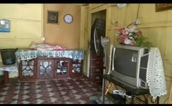 Keadaan di dalam rumah warga emas yang ditemui terbaring oleh anak saudaranya pagi tadi.