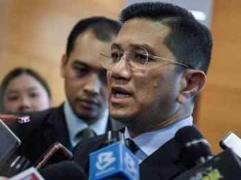 Menteri Hal Ehwal Ekonomi Datuk Seri Mohamed Azmin Ali. - Foto Bernama