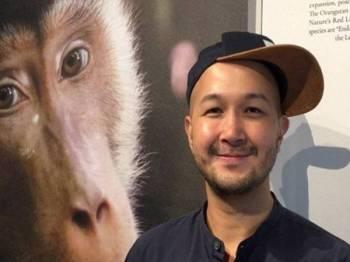 Peter mengambil inisiatif mempamerkan 'hasil buruannya' melalui Project Monyet di Think City, Kuala Lumpur bermula pada 16 November lalu sehingga 28 November ini. - Foto Bernama