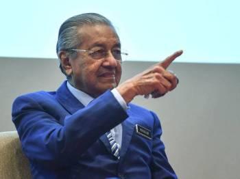 Dr Mahathir pada sidang media selepas pra-pelancaran Sidang Kemuncak Kuala Lumpur 2019 (KL Summit 2019) di Yayasan Kepimpinan Perdana hari ini. - Foto Bernama