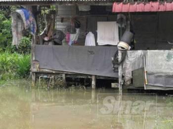 Keadaan banjir di Kampung Wakaf Tapai semakin beransur pulih.