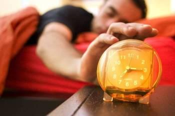 MENGELAK tidur selepas subuh adalah lebih baik untuk memperoleh rahmat dan keberkatan pada waktu pagi.