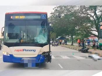 Kedua-dua maut selepas dilanggar Rapid Penang di Jalan Teluk Air Tawar.