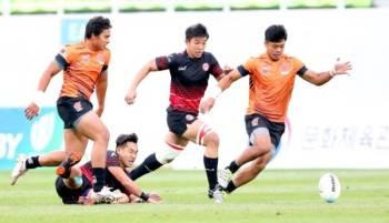 -Foto: Asia Rugby   Antara aksi menarik dipamerkan pemain Rimau 7s ketika menentang Singapura pada Kelayakan Tujuh Sebelah Ragbi Asia/Olimpik 2020 di Korea Selatan minggu lalu.