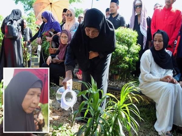 Isteri, Datin Fatimah Abd Rauf, 56 (tengah) menyiram air mawar di pusara suaminya, Allahyarham Datuk Nassier Wahab 57, selepas pengkebumian di Tanah Perkuburan Islam Bukit Batu Belah, Klang, hari ini. (Gambar kecil: Fatimah Abdul Rauf) - Foto Bernama