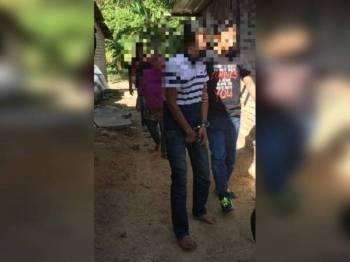 Antara penagih dadah ditahan Pegawai Unit Penguatkuasaan AADK Kuala Kedah dalam Ops Cegah 93/2019 sekitar Sungai Petani, semalam.