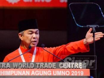 Ahmad Zahid ketika berucap pada Perhimpunan Agung UMNO di PWTC, Kuala Lumpur. - FOTO ZAHID IZZANI