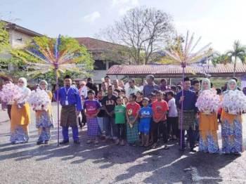 Anak-anak yang diraikan untuk pada program Khatan Perdana kelmarin.
