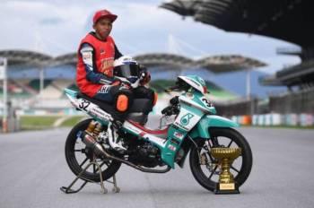 Aliff Danial dinobat selaku juara kelas Wira pada Kejuaraan Cub Prix Malaysia PETRONAS 2019.