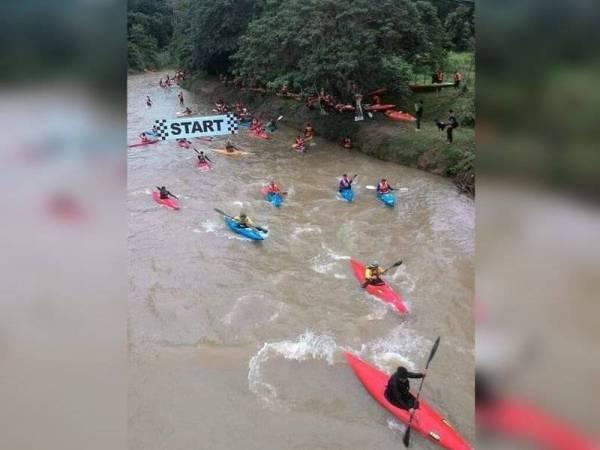 Para peserta JKEC memulakan kayuhan pada perlumbaan tahun lalu di Dataran Kampung Puom, Jelebu.