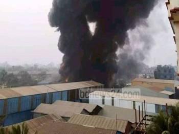 Kebakaran di kilang Prime Pet and Plastic Industries meragut sekurang-kurangnya 10 nyawa. - Foto Agensi