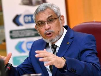 Khalid bercakap pada sidang media selepas Majlis Pelancaran Pelaksanaan Cukai Petak Wilayah Persekutuan di Rumah Persekutuan Pejabat Pengarah Tanah dan Galian Wilayah Persekutuan hari ini. -Foto Bernama