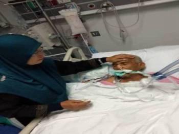 Allahyarham Abd Aziz Yunus, 63, yang merupakan pesara tentera telah dimasukkan ke ICU Hospital King Abdullah, Jeddah kerana komplikasi jantung dan buah pinggang ketika sedang menunaikan umrah.
