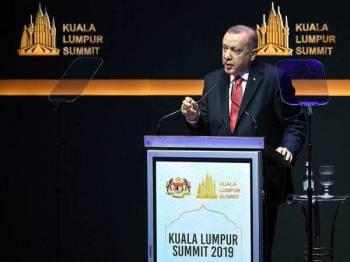 Presiden Turki, Recep Tayyip Erdogan ketika berucap dalam Sidang Kemuncak Kuala Lumpur 2019 di Pusat Konvensyen Kuala Lumpur di sini semalam. - Foto Bernama