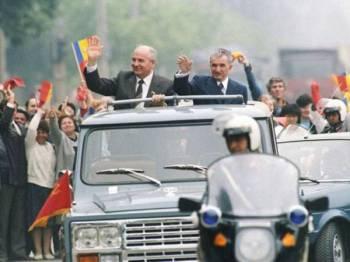 Kenderaan 4x4 ARO 304 milik Ceausescu dijual pada lelongan oleh pihak berkuasa percukaian Romania semalam. - Foto: Agensi.