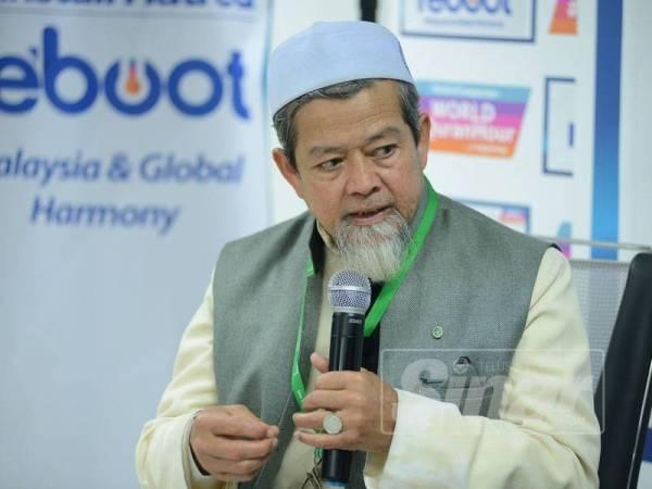 Abdul Munim program Reboot Harmony Talk Series: Soul Of Compassion di Kumpulan Media Karangkraf di sini semalam. - FOTO MOHD IZARI ROSLI