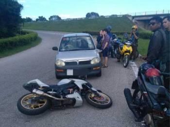 Kemalangan yang berlaku petang tadi melibatkan Perodua Kelisa yang dipandu melawan arus sehingga menyebabkan sebuah motosikal terjatuh selepas hilang kawalan.