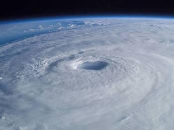 Bencana puting beliung tropika yang diramal melanda negara itu selepas Krismas.