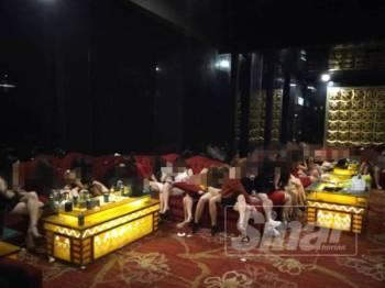 Antara wanita warga asing disyaki GRO yang ditahan dalam operasi di sebuah pusat hiburan di Puchong, Selangor malam tadi.