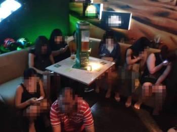 Antara wanita warga asing yang ditahan dalam Ops Gegar di sebuah kelab malam di Jalan P Ramlee, Kuala Lumpur kelmarin.