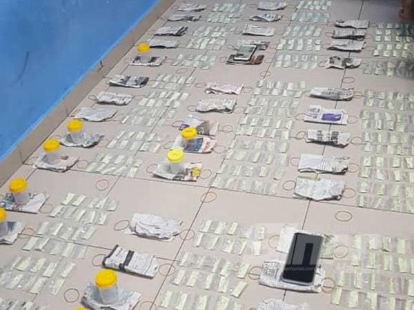 Antara dadah yang dirampas polis dalam operasi di sebuah rumah di pangsapuri di Taman Bukit Pandan, Ampang, kelmarin.