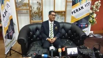 Ahmad Faizal ketika sidang media menjelaskan isu pemberian hak milik kekal yang terpaksa ditangguhkan berikutan saman diterima oleh kerajaan negeri hari ini.