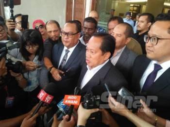 Ahmad ketika ditemui di luar Mahkamah Kuala Lumpur hari ini.