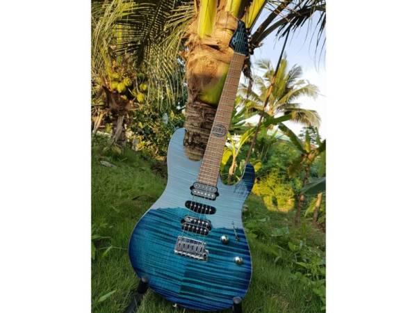 KAYU pemuka gitar yang berwajah baharu menjadi antara pilihan pelanggan yang mendapatkan khidmat Mohd Haneffa.
