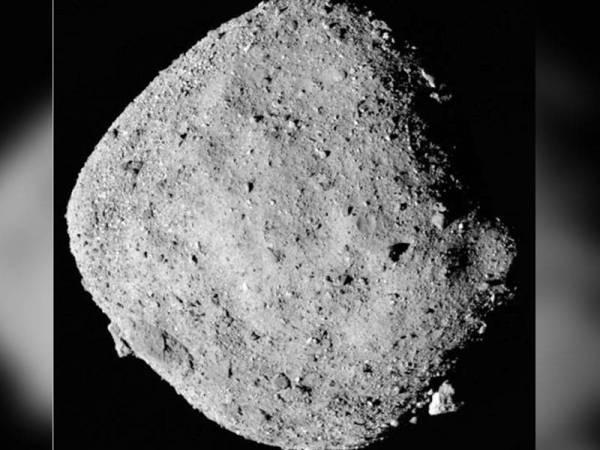 NASA mengesahkan sebuah asteroid dengan kelajuan 34,000 kilometer dijangka akan menghampiri bumi jam 6.05 pagi esok. -Foto NASA