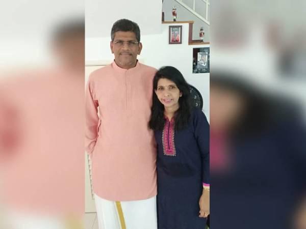 Dr Balachandran bersama isteri, Senbagali.