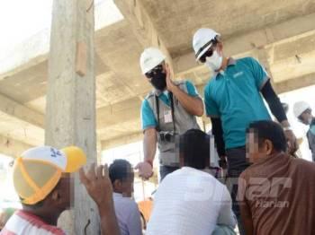 Seramai 20 warga asing dan dua warga tempatan yang berada di tapak binaan ditahan bagi tujuan pemeriksaan.
