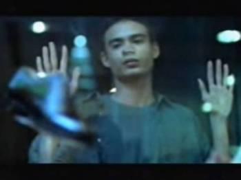 Ashraf membintangi iklan Kasut Gombak pada tahun 1998.