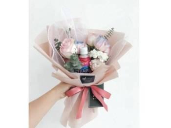 JAMBANGAN bunga Calpis Sakura x 50gram ideal dijadikan bingkisan istimewa buat insan tersayang.