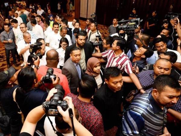 Majlis Makan Malam Muafakat Ahli Parlimen di Hotel Sheraton dikatakan sebagai satu majlis diadakan bagi meraikan kejayaan pembentukan kerajaan pakatan baharu Perikatan Nasional.