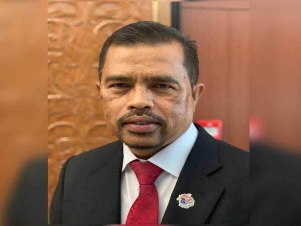 Presiden Cuepacs, Adnan Mat