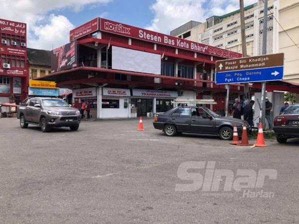 Keadaan di Perhentian Bas Kota Bharu lengang berbanding sebelum Perintah Kawalan Pergerakan.