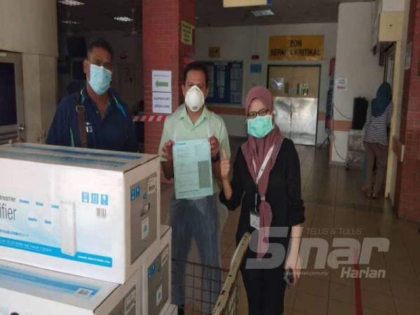 Sebahagian penapis udara Daikin Streamer yang disumbangkan kepada Hospital Sultanah Aminah di Johor Bahru, Johor baru-baru ini.