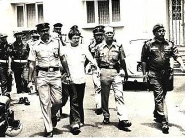 Botak Chin dihukum gantung di Penjara Pudu pada usia 28 tahun.