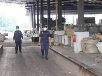 MDHS menjalankan pemeriksaan di beberapa kilang di sekitar Hulu Selangor Jumaat lalu bagi memastikan hanya kilang dibenarkan MITI dan MKN berperasi ketika PKP.
