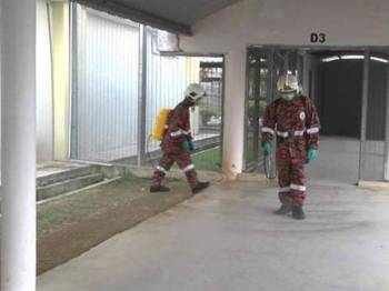 Operasi sanitasi selama dua jam melibatkan semua kawasan di dalam penjara iaitu blok-blok penghuni, pejabat, kantin serta surau.