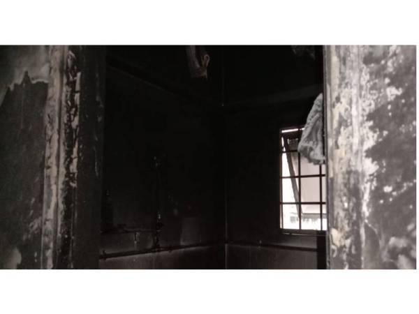 Seorang warga emas berjaya diselamatkan dalam kebakaran sebuah bilik di Pangsapuri Tulin Taman Sri Jati pagi tadi.