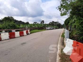 Lokasi jambatan di FT009 Seksyen 23.6 Jalan Tampin–Kuala Pilah yang terpaksa ditutup bermula tengah malam ini.