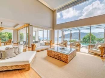 Ini adalah bilik Villa yang paling mewah di resort ini (mempunyai 5 bilik utama dan segala kelengkapan lain di dalamnya).