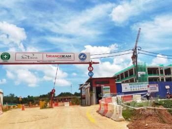 Tapak projek Hospital Pendang yang dalam pembinaan di Kampung Banggol Pauh hari ini.