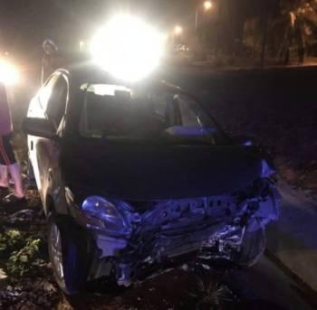 Keadaan kereta mangsa yang terlibat dalam kemalangan di Kilometer 26, Jalan Temerloh-Bahau dekat Bera awal pagi tadi. - Foto Ihsan Bomba