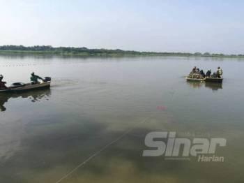 Nelayan darat di Sungai Galah kini berdepan dilema untuk mencari rezeki berikutan penerokaan haram yang dilakukan pihak tidak bertanggungjawab menyebabkan kawasan pencarian ikan terhad.