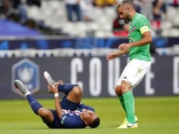 Mbappe mengalami kecederaan akibat terjahan Perin semasa perlawanan akhir Piala Perancis menentang Saint Etienne pada 24 Julai lalu.
