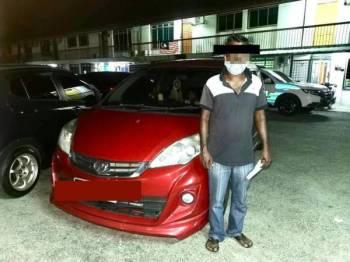 Suspek ditahan kerana memandu di bawah pengaruh alkohol dalam Ops Mabuk yang diadakan di Jalan Persiaran Korporat, Nilai malam tadi.